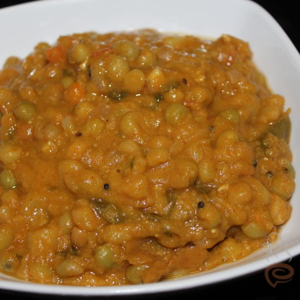 Kerala Green Peas Curry